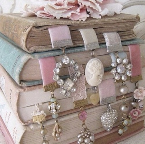 Jewellery Bookmark - creative diy bookmark ideas