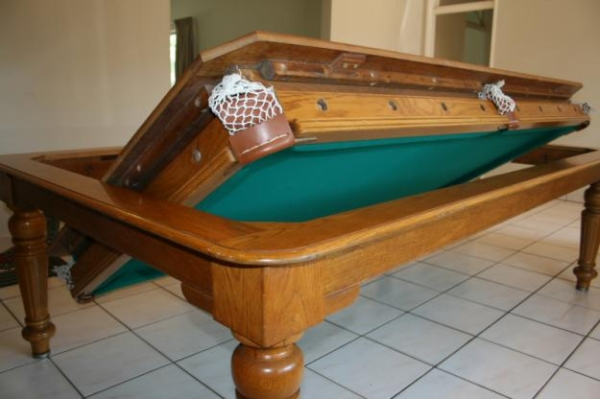 Convertible dining cum game table