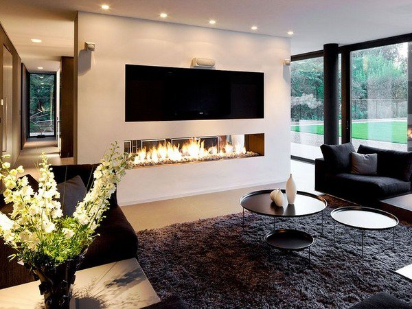 Elongated modern fireplace