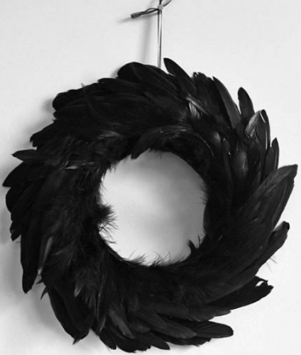 Gothic style and black feather - Ghostly Handmade Halloween Wreath Ideas