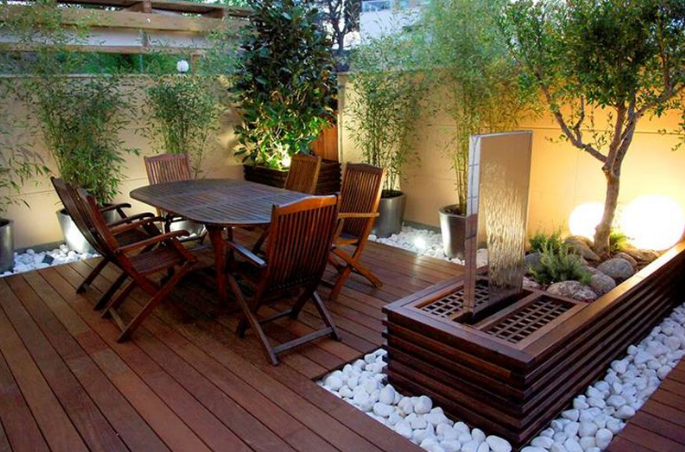The rustic terrace