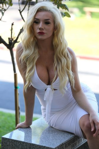 How much is Courtney Net Worth? How much is her income? - Courtney Stodden Net Worth
